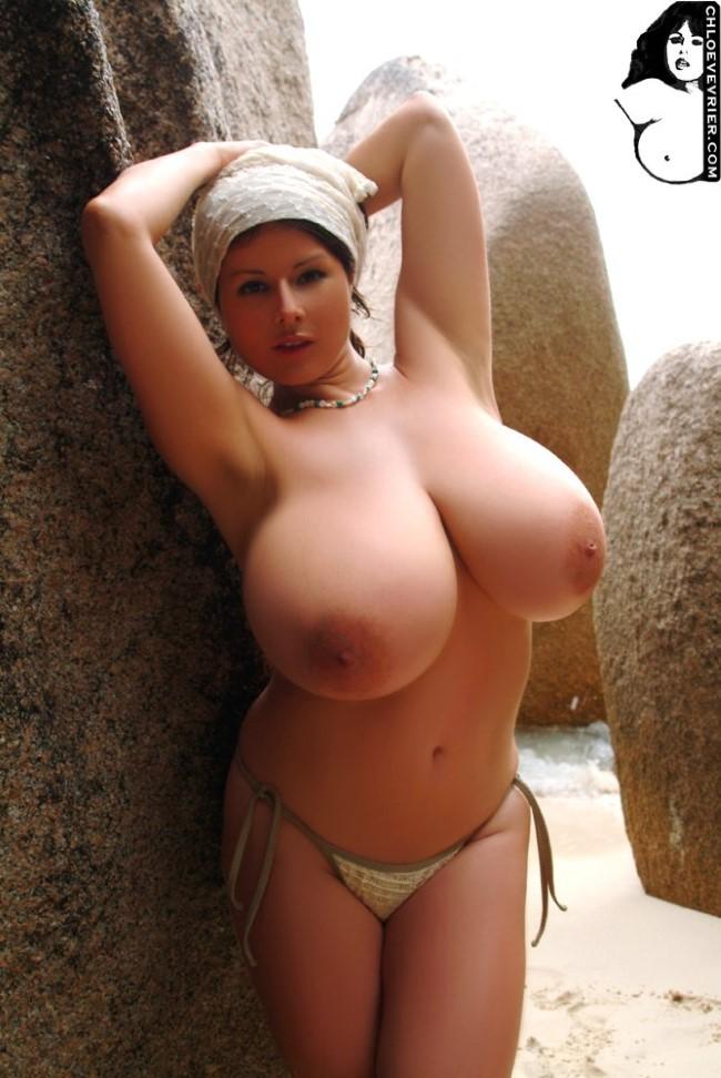 скачать фото голых телок с большими сиськами