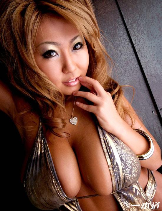 Busty Rui Akikawa 25