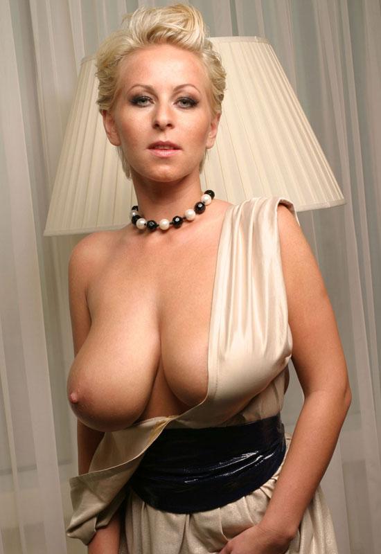 beautiful blondes pinterest